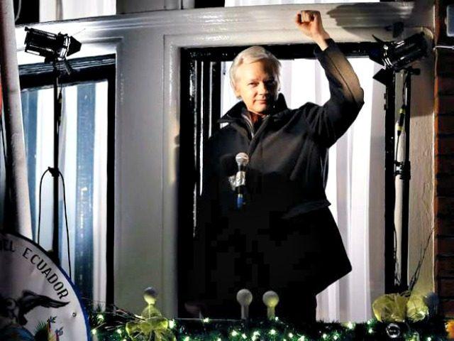 julian-assange embassy AP