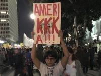 Anti-Trump protest (@4n0nc47 / Twitter)