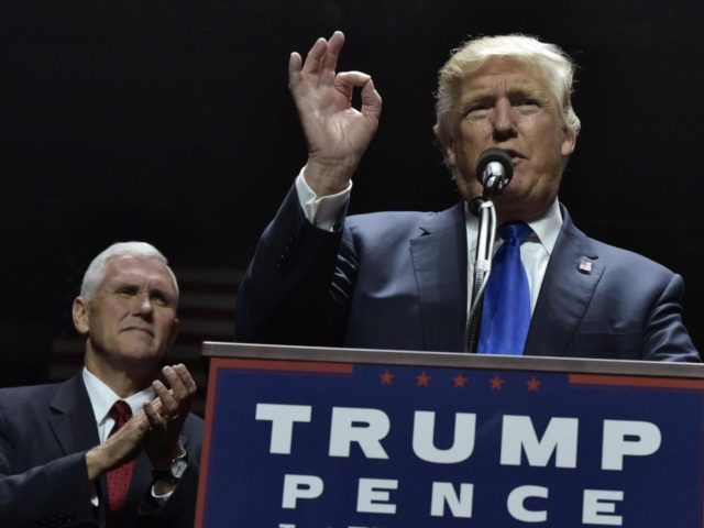 Donald Trump and Mike Pence at New Hampshire Rally (Mandel Ngan / AFP / Getty)