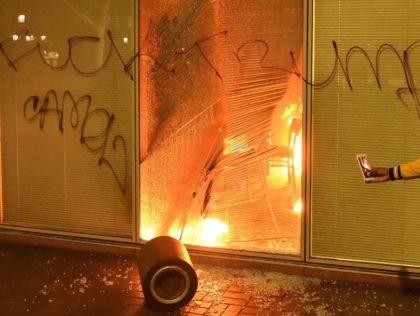 Fuck Trump riot (Josh Edelson / AFP / Getty)