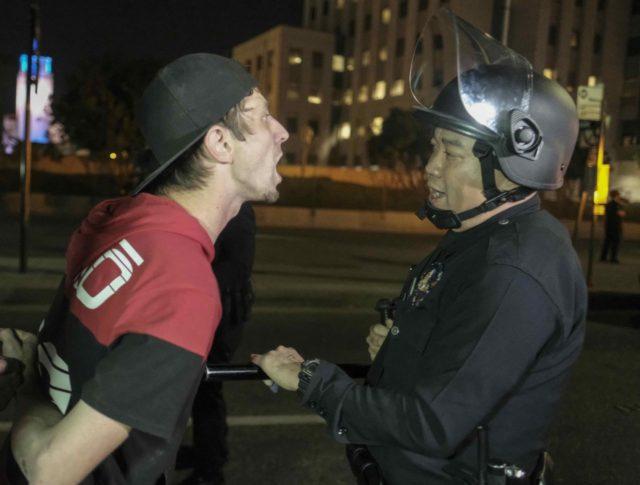 Los Angeles anti-Trump protest (Ringo Chiu / AFP / Getty)