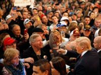 Trump-Supporters-Crowd-Clear-Lake-Iowa-AP