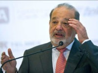 Mexican Tycon Carlos Slim delivers a speech during the launch of the digital platform App-rende at Sumaya Museum in Mexico City on June 15, 2016. PEDRO PARDO / AFP