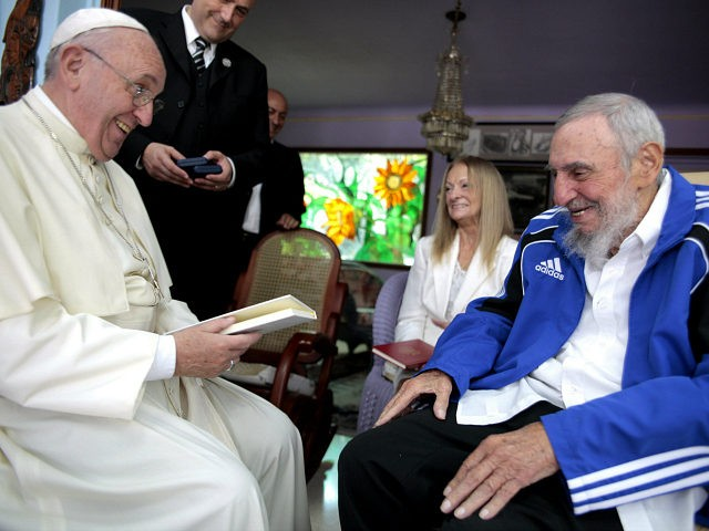 FaithWorld Pope Francis meets Fidel Castro, warns against ideology on Cuba trip By Philip Pullella September 21, 2015 (Pope Francis (L) and former Cuban President Fidel Castro share a laugh in Havana, Cuba, September 20, 2015. Picture taken September 20. REUTERS/Alex Castro) (Pope Francis (L) and former Cuban President Fidel Castro share a laugh in Havana, Cuba, September 20, 2015. Picture taken September 20. REUTERS/Alex Castro)