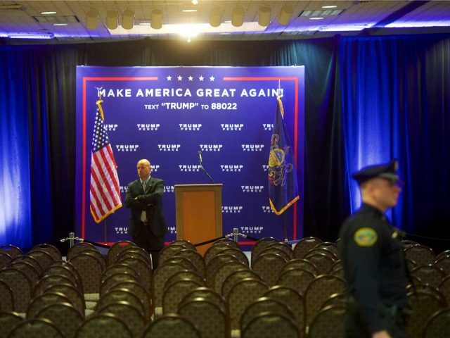: A secret service agent monitors activity after Republican Presidential nominee Donald J. Trump held an event at the Eisenhower Hotel and Conference Center October 22, 2016 in Gettysburg, Pennsylvania. Trump delivered a policy speech announcing his plans for his first 100 days in office. (Photo by