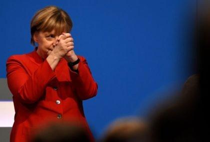 Liberal Hero Merkel Proposes Burqa Ban, Shifts Onto Re-election Footing