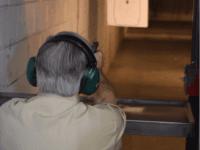 Governor-Greg-Abbott-at-Reds-Indoor-Gun-Range-640x640