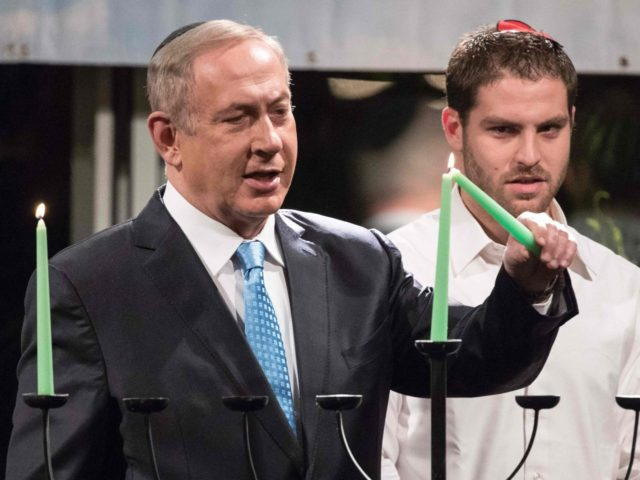 Netanyahu-Chanukah-Hanukkah-Menorah-UN-Obama-12-24-2016 (Jack Guez / AFP / Getty)
