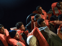 'New Migrant Route' Opens Between Algeria and Sardinia, 158 Arrive in One Night