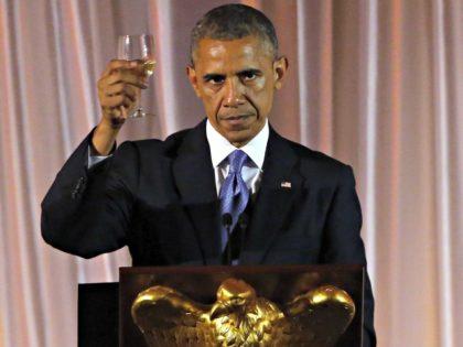Obama Toasts Trump AP