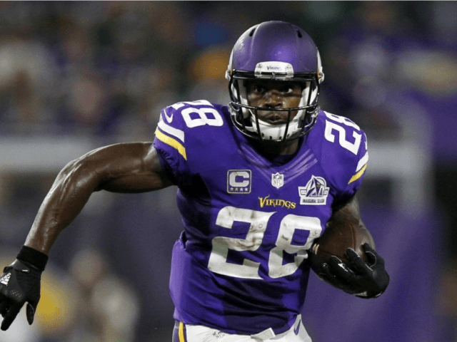 Sports WebXtra: Adrian Peterson search for new team continues