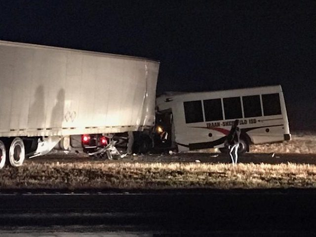 Texas Cheerleader Bus Crashes, Leaving One Dead