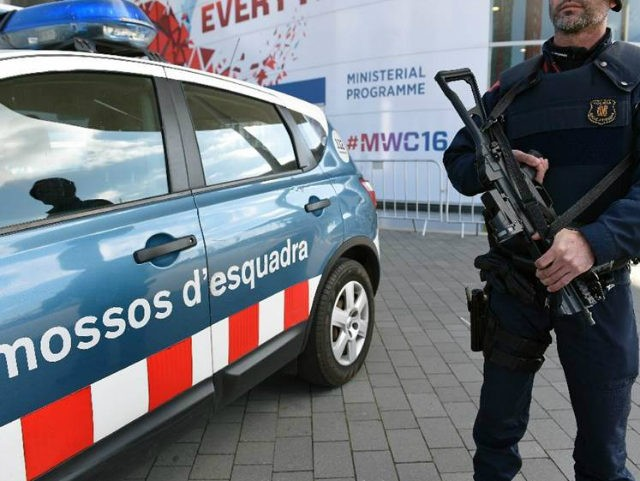 (AFP) - Spanish police said Wednesday they had smashed a …
