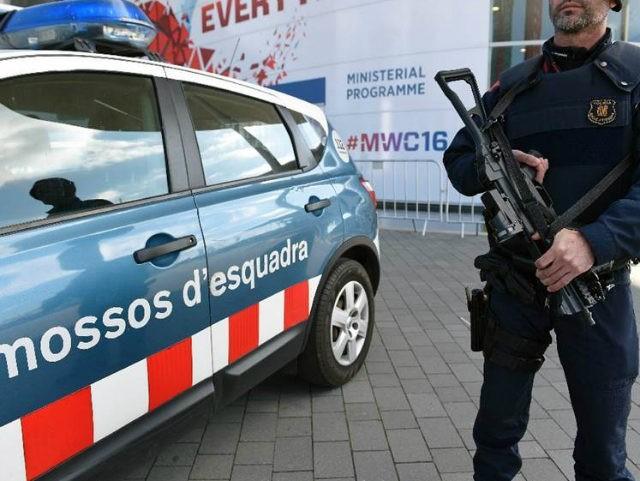 (AFP) - Spanish police said Wednesday they had smashed a …