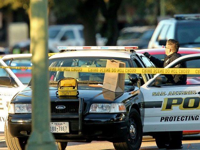 AP_otis-mckane-crime-scene-inset-jt-161122_12x5_1600
