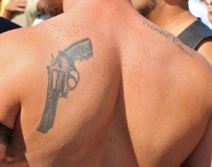 Gay gun (torbakhopper / Flickr / CC / Cropped)
