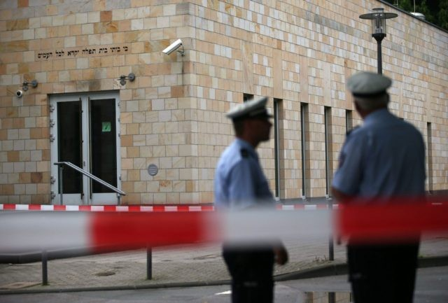GERMANY-CRIME-JEWS-SYNAGOGUE-ARSON