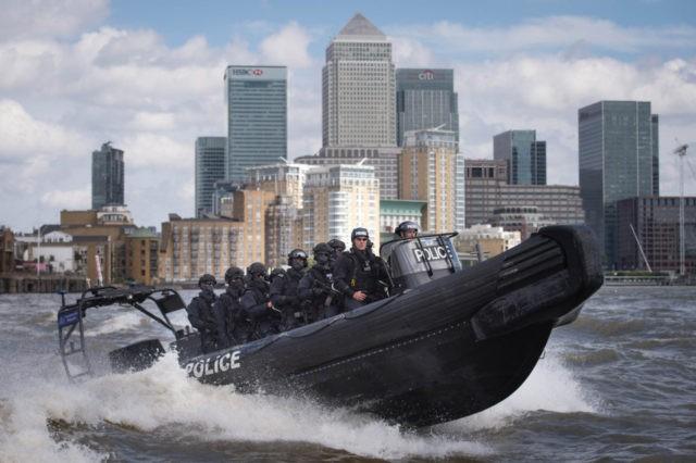 TOPSHOT-BRITAIN-POLICE-SECURITY