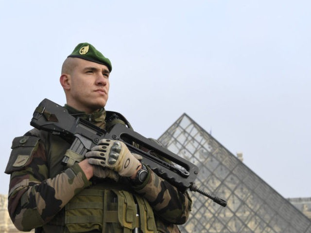 FRANCE-SECURITY-POLICE-SENTINELLE