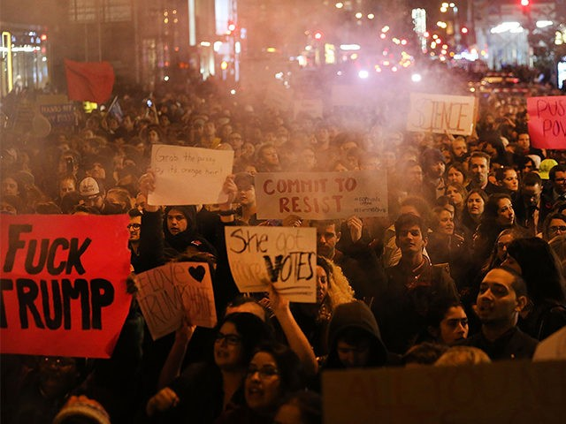 NY-Anti-Trump-Protesters-Nov-9-2016-Getty