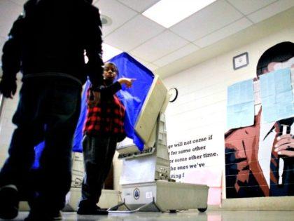 Obama-Voter-Fraud-AP-640x480