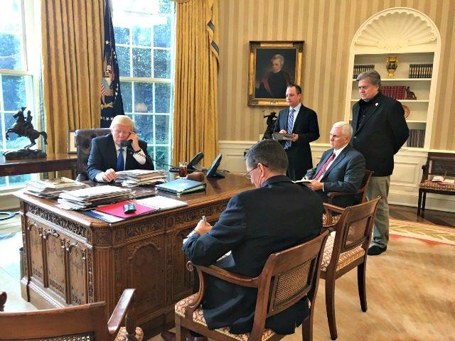 Trump-Putin-Phone @PressSec