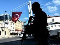 Turkey-man-with-gun-afp