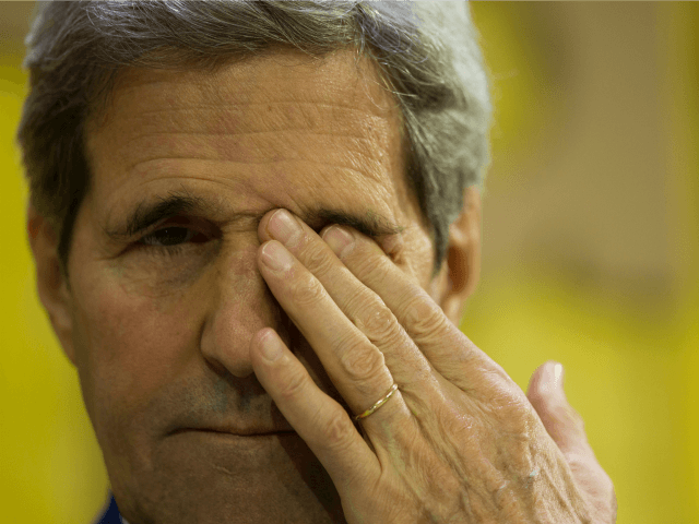 US Secretary of State John Kerry attends the Mashable/UN Foundation 'Earth to Paris' Summit during the COP 21 United Nations conference on climate change on December 7, 2015 at Le Petit Palais in Paris. / AFP / KENZO TRIBOUILLARD (Photo credit should read KENZO TRIBOUILLARD/AFP/Getty Images)