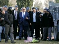 Israeli Prime Minister Benjamin Netanyahu (C) visits the site of a vehicle-ramming attack in Jerusalem on January 8, 2017. Four Israeli soldiers were killed when they were run down by a truck in Jerusalem in what police were treating as a deliberate attack, a medic at the scene told AFP. …