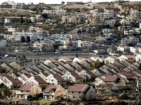 A picture taken on November 17, 2016 shows a general view of houses in the settlement of Ofra in the Israeli-occupied West Bank, established in the vicinity of the Palestinian village of Baytin (background). / AFP / THOMAS COEX (Photo credit should read THOMAS COEX/AFP/Getty Images)