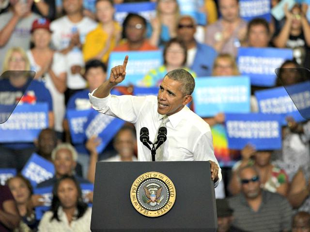 Campaigner Obama 2016 AP