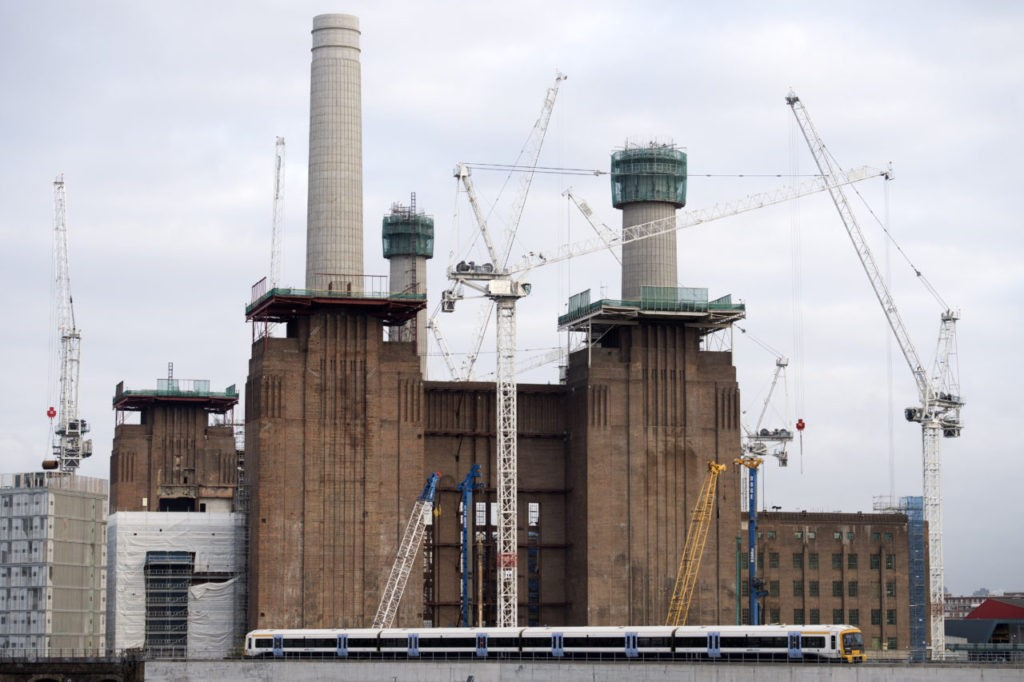 Construction Cranes stand over the development site at Battersea Power Station in south west London on January 4, 2017. Construction output rose at its fastest pace for nine months in December 2016, even though imported raw material prices have risen, as a result of the drop in sterling caused by the Brexit vote last June.  / AFP / Justin TALLIS        (Photo credit should read JUSTIN TALLIS/AFP/Getty Images)