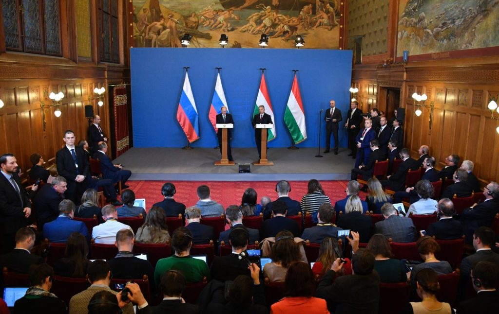 Russian President Vladimir Putin (L) and Hungarian Prime Minister Viktor Orban give a joint press conference on February 2, 2017 in Budapest. The meeting with the right-wing Orban -- who wants the European Union to lift its sanctions against Russia  -- is Putin's first visit to a bloc member since the shock election of US President Donald Trump in November 2016. / AFP / Alexander NEMENOV        (Photo credit should read ALEXANDER NEMENOV/AFP/Getty Images)