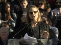 Jodie Foster at Anti-Trump Rally: 'This Is Our Time to Resist'