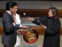 Kevin de Leon sworn in (Mark J. Terrill / Associated Press)