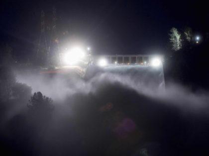 Oroville Dam at night (Josh Edelson / Getty)