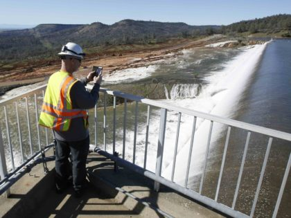 Oroville emergency spillway (Rich Pedroncelli / Associated Press)
