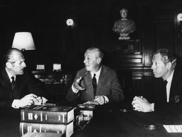May 1967: Merchant bankers, the Rothschilds in an office at their headquarters in the Rue Laffitte, Paris. left to right : Baron Elie De Rothschild, Baron Guy De Rothschild and Alain De Rothschild. (Photo by Keystone Features/Getty Images)