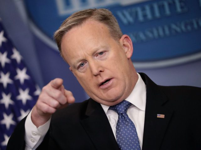 Sean Spicer chooses (Chip Somodevilla / Getty)