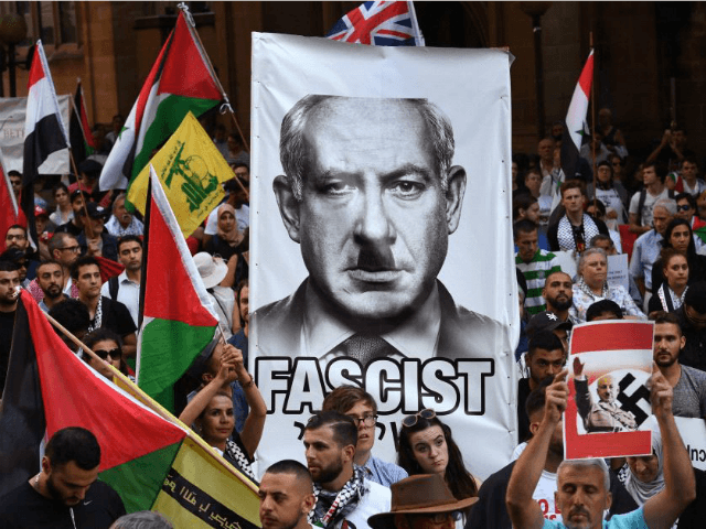 Pro-Palestinian protesters demonstrate against the visit to Australia by Israel's Prime Minister Benjamin Netanyahu, in Sydney on February 23, 2017. (photo credit:WILLIAM WEST/AFP)