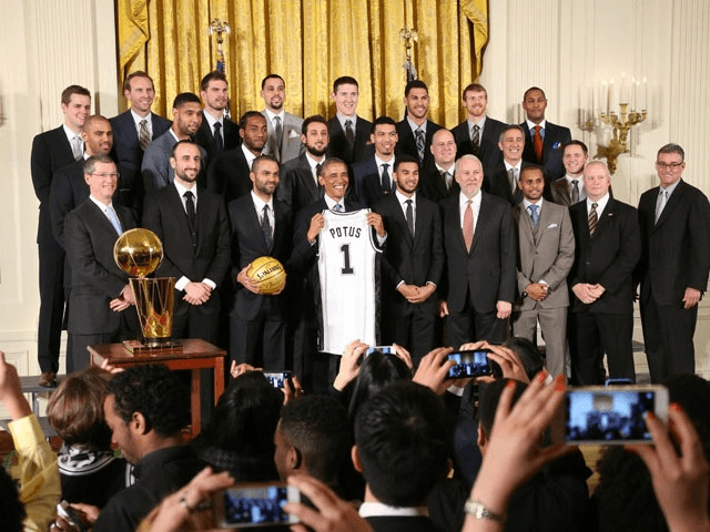 San Antonio Spurs visit the White House