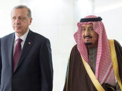 Saudi King Salman bin Abdulaziz (right) held talks with Turkish President Recep Tayyip Erdogan in Riyadh on February 14, 2017