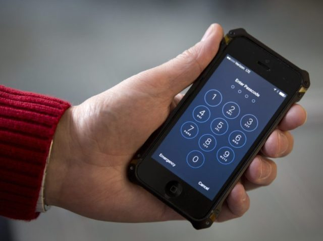 Apple shuts down iPhone cracking loophole used by police