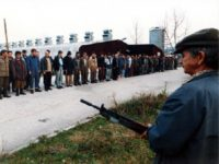 BOSNIA AND HERZEGOVINA - DECEMBER 01: Itzebegovic's Muslims Prisoners of Muslims Fighters of Fikret Abdic in Bihac, Bosnia And Herzegovina in December, 1994. (Photo by Art ZAMUR/Gamma-Rapho via Getty Images)