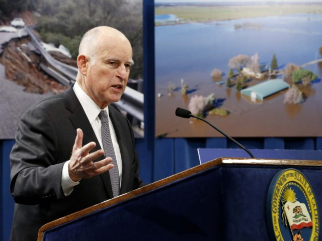 Jerry Brown and Oroville and flooding (Rich Pedroncelli / Associated Press)