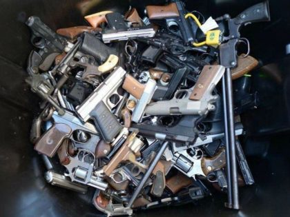 LAPD-gun-buyback-getty-640x480