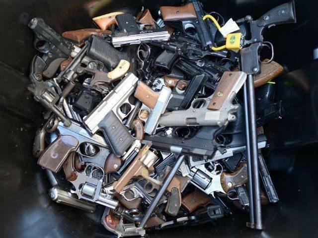 LAPD-gun-buyback-getty-640x480