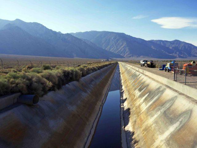 Los Angeles Aqueduct (Brian Melley / Associated Press)