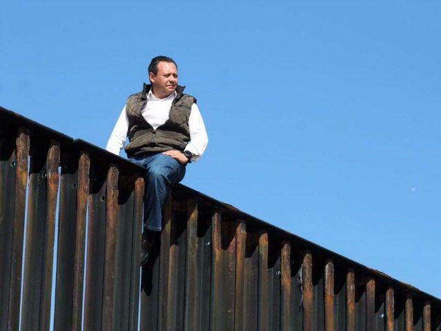 Mex Politico on Fence