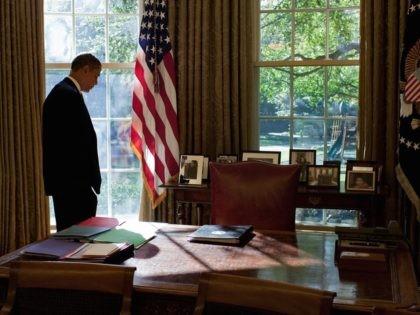 Obama silhouette Oval Office (Pete Souza / White House / Getty)